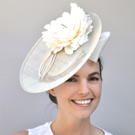 Wedding Hat, Kate Middleton Hat, Kentucky Derby Hat, Bridal Headpiece, Royal Hat, Wedding Fascinator Derby Fascinator Saucer Hat Duchess Hat
