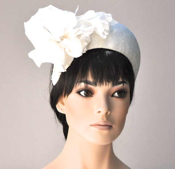 Kentucky Derby Hat, Ladies Ivory Hat, Crown Halo Headpiece, Women's Ivory Fascinator Hat, Kate Middleton Hat, Formal Hat