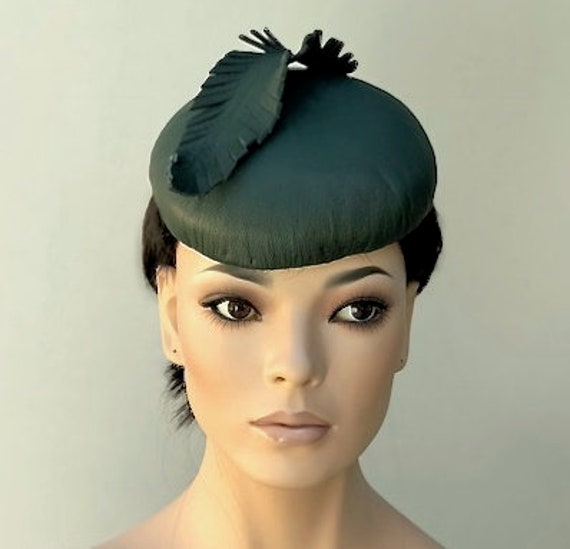 Ladies Leather Hat, Women's Green Leather Fascinator Hat, Pillbox Hat, Kate Middleton Hat, Formal leather Hat, Leather Percher Button Hat,
