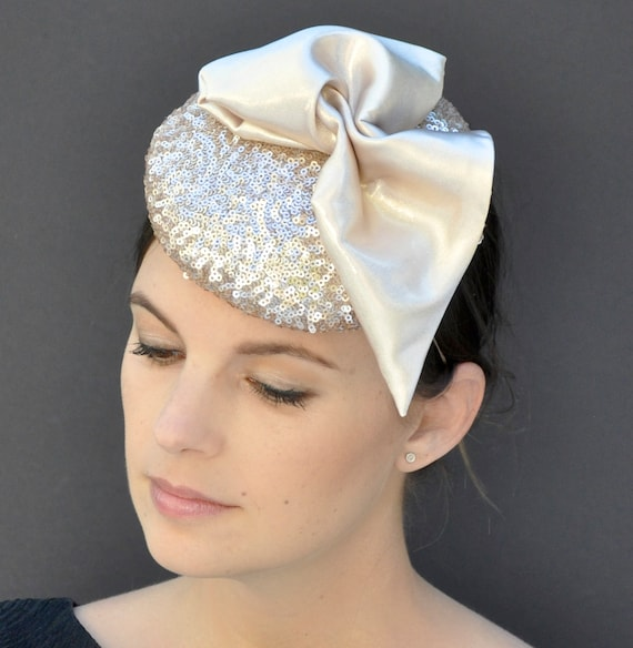 Elegant fascinator hat, Shimmery fascinator, Formal hat, Dressy Hat, Champagne beige hat, Kentucky Derby fascinator, Sequin fascinator