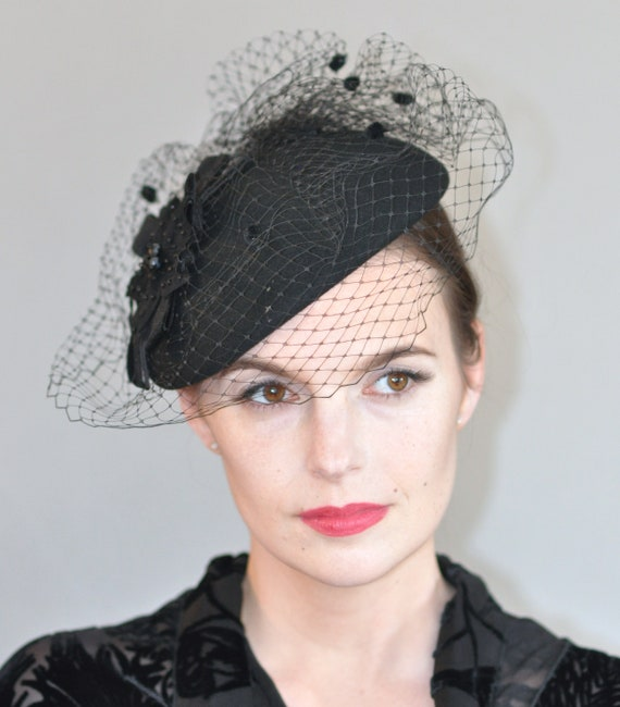 Black Fascinator, Ladies Black Hat, Fascinator Cocktail Hat, Formal Black Hat, Funeral Hat, Black Veil, Church hat, Elegant Black Hat