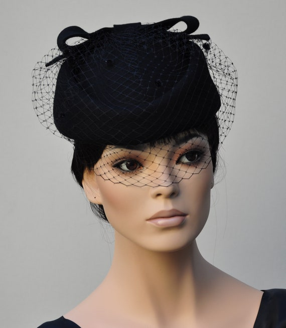 Women's Black Pillbox Hat, Black Felt Veil Hat, Church Hat, Ladies Black Hat, Formal Winter Hat, Funeral Hat, Jackie O Pillbox Hat,