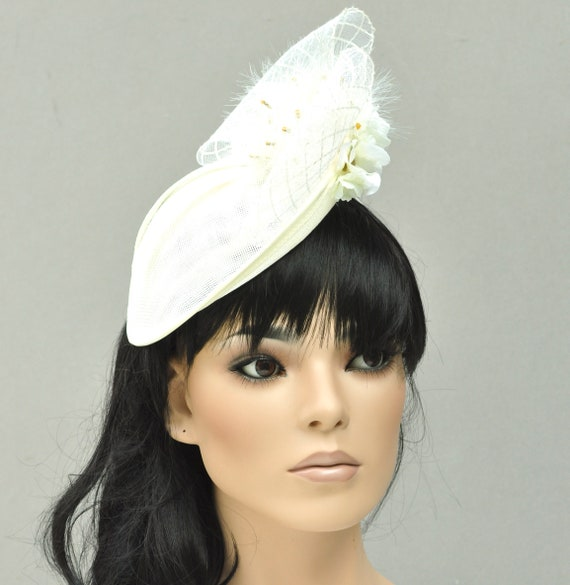 Kentucky Derby Hat, Women's Formal Cream Ivory Hat, Special Occasion hat, Kate Middleton Hat, Royal Ascot Hat, Saucer Hat