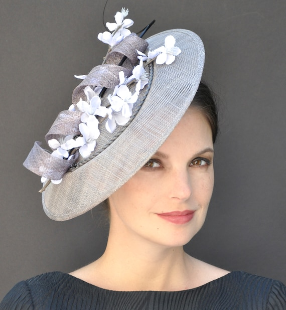 Derby Fascinator, Gray Fascinator, Wedding Hat, Occasion Hat, Formal Gray Hat, Derby hat, Saucer Hat