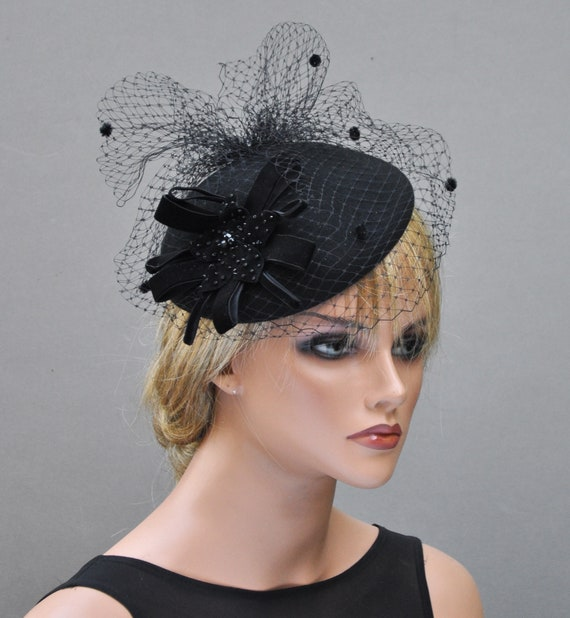 Black Winter Fascinator, Ladies Black Felt Hat, Fascinator Cocktail Hat, Women's Formal Black Hat, Funeral Hat, Black Veil, Church hat