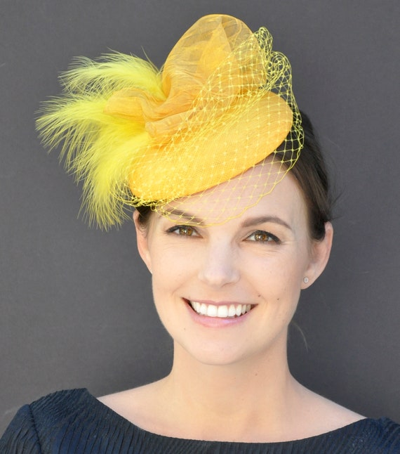Yellow Fascinator, Wedding Fascinator, Derby Fascinator Hat, Cocktail Hat, Pillbox Hat, Formal Hat, Ladies Yellow hat, Occasion Hat