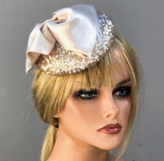 Fascinator Hat, Wedding Fascinator, Pillbox Hat, Cocktail Hat, Wedding Hat, Elegant fascinator