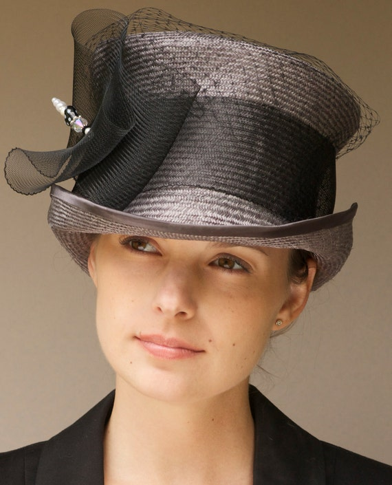 Women's Gray Top Hat, Ladies Derby Hat, Wedding Hat, Mad Hatter, Formal Hat, Victorian Riding Hat, Occasion Hat