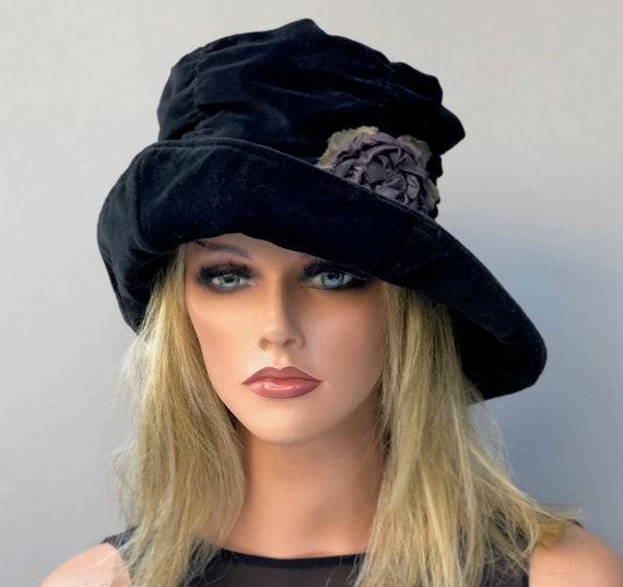 Black and Lavender Boho Hat, Women's 1970s Velvet Hat, Ladies Vintage Velvet Hat
