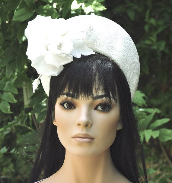 Ladies Ivory Hat, Crown Halo Headpiece, Women's Ivory Fascinator Hat, Kate Middleton Hat, Formal Hat