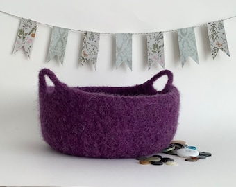 FUSSPOT felted  bowl / tray/ desk tidy  ( with handles) , ' Dark Orchid '  ( deep purple ).....UK seller..ready to ship......
