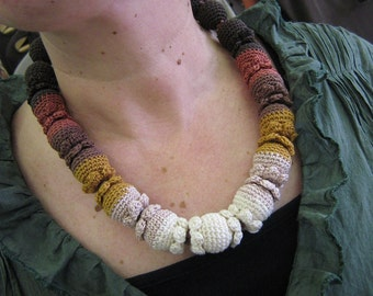 Crochet necklace - Cacao