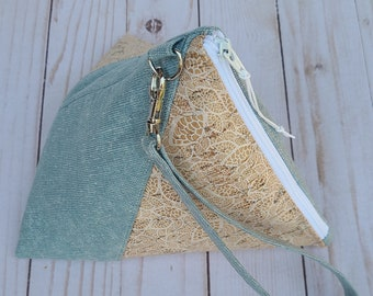 Purse BagTriangular Atlantis Wristlet Bag Evening Bag