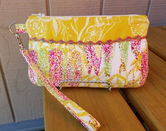 SALE - Goldie Pink Small Zippered Wristlet