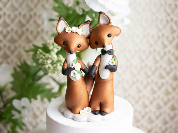 Red Fox Wedding Cake Topper - Foxes Holding Hands - Fox Wedding Gift