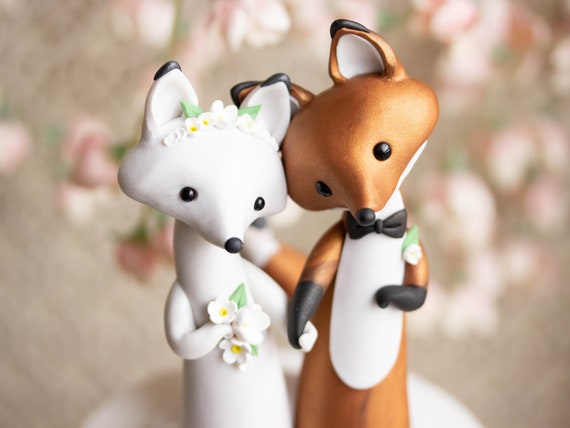 Fox Wedding Cake Topper - Red Fox and Arctic Fox Sculpture