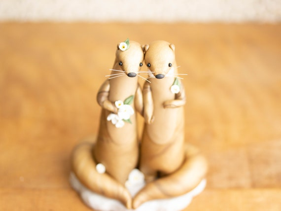 Golden Otter Wedding Cake Topper - Golden Otter Sculpture