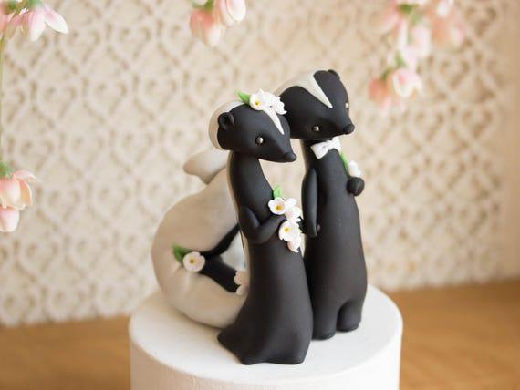 Skunk Wedding Cake Toppe