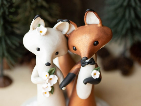 Fox Wedding - Red Fox and Arctic Fox Wedding Cake Topper