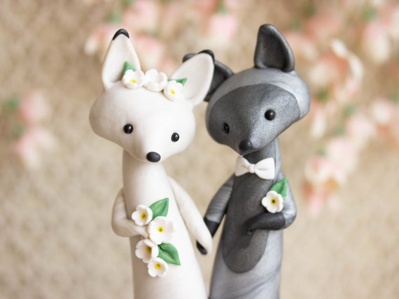 Fox Wedding Cake Topper - Silver Fox and Arctic Fox