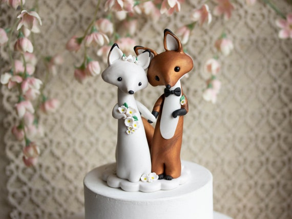 Fox Wedding Cake Topper - Red Fox and Arctic Fox Sculpture by Bonjour Poupette