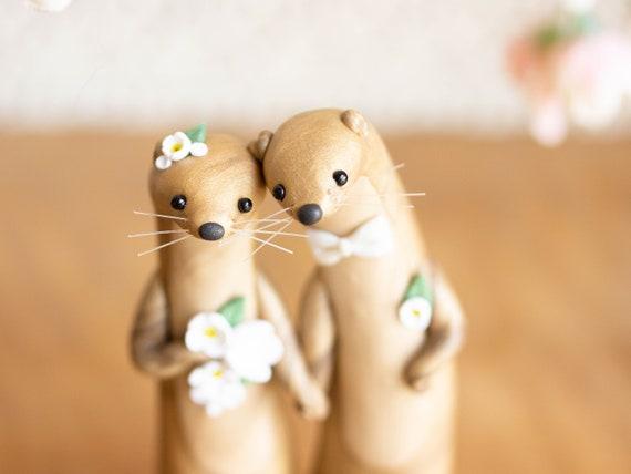 Golden Otter Wedding Cake Topper - Golden Otter Sculpture