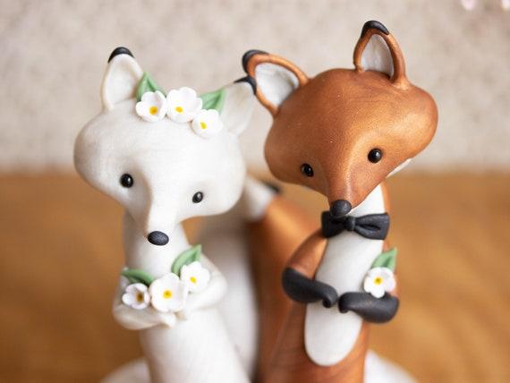 Fox Wedding Cake Topper - Red Fox and Arctic Fox
