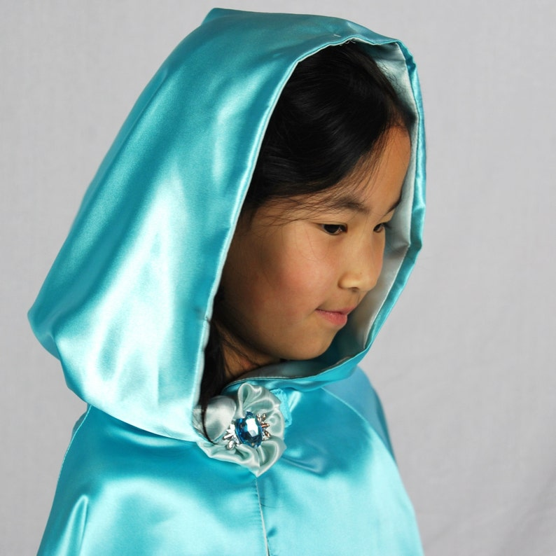 Costume Cape Ice Princess Elsa Inspired image 0