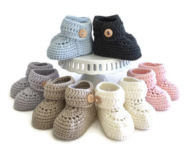 Featured listing image: Short Button Cruff Baby Booties