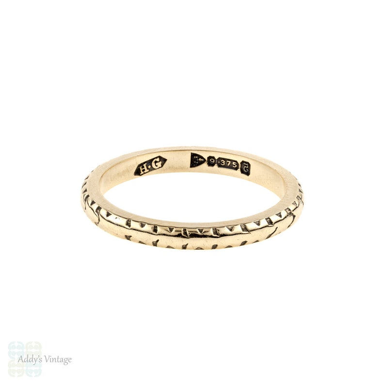 Ladies Narrow Engraved Ring 1940s 9ct Yellow Gold Wedding Band Size J.5  5.