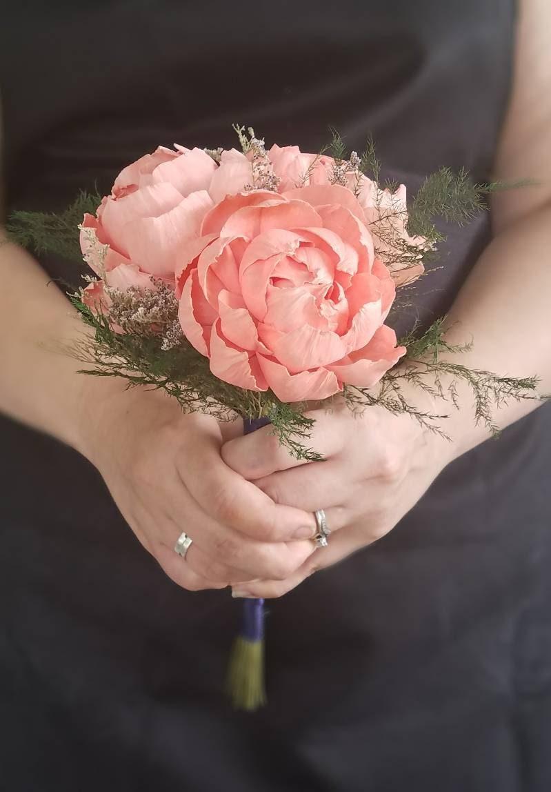 Sola wood flower peony bouquet minimalist bouquet etsy zoom izmirmasajfo