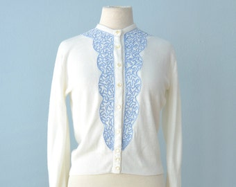 Vintage 1950s Sweater...AMERICANA White Sweater Cardigan