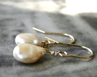 Artisan Jewelry / Freshwater Pearl Earrings / Accessories / 14k Gold  or Rose Gold Pearl Earrings / Wedding Earrings / Bridal Pearl Earrings