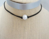 Choker black leather suede white pearl necklace