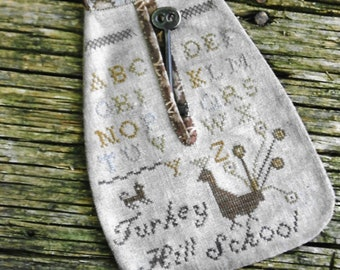 Counted Cross Stitch Pattern, Turkey Hill Schoolgirl Pocket, Colonial Style Needlework, Primitive Cross Stitch, Stacy Nash, PATTERN ONLY