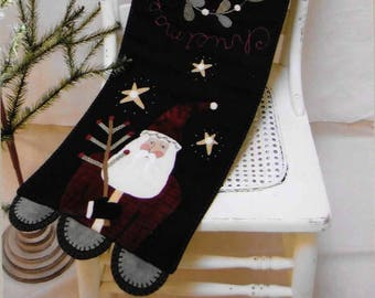 Wool Applique Pattern, Two Santas, Christmas Decor, Primitive Decor, Wool Appliqued Table Runner, Heart to Hand,Kathi Campbell, PATTERN ONLY