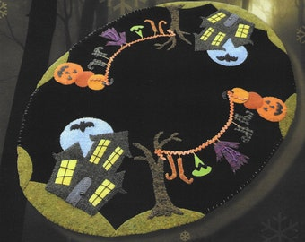 Wool Applique Pattern, The House on Misty Moon Road, Wool Table Runner, Fall Decor, Autumn Decor, Halloween Decor, Nutmeg Hare, PATTERN ONLY