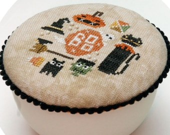 Counted Cross Stitch Pattern, Creeping It Round, Halloween Decor, Black Cat, Witch, Pumpkin, Jack O Lantern, Heart in Hand, PATTERN ONLY