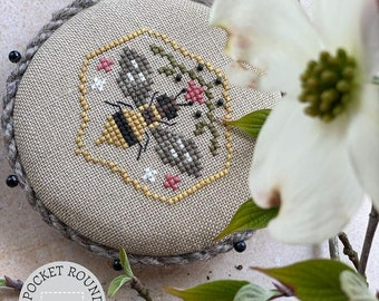 Counted Cross Stitch Pattern, Pocket Round Bee, Queen Bee, Bumble Bee, Primitive Decor, Heart in Hand, PATTERN ONLY