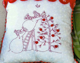 Embroidery Pattern, Trim the Tree, Christmas Snowman Pillow Pattern, Winter Decor, Snowman, Christmas, Crabapple Hill Studio, PATTERN ONLY