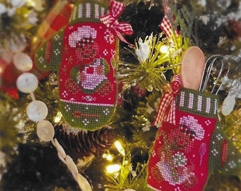 Counted Cross Stitch, Gingerbread Mittens, Christmas Ornament, Mitten Ornaments, Gingerbread Men, Blackberry Lane Designs, PATTERN