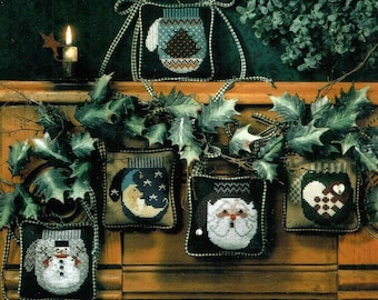 Cross Stitch Pattern, Woolen Mittens, Christmas, Ornaments, Winter, Country Rustic, Counted Cross Stitch, Cricket Collection, PATTERN ONLY