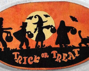 Wool Applique Pattern, Trick or Treat, Table Mat, Halloween Decor, Witches, Bats, Halloween Moon, Wool Mat, Sew Cherished, PATTERN ONLY