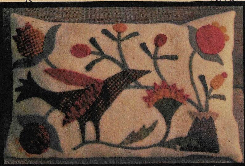 Uccelli e fiori cuscino di lana applique corvo nero etsy