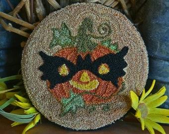 Punch Needle Pattern, Masked Jack O Lantern, Batman Costume, Halloween Decor,  Punch Needle Embroidery, Village Folk Art, PATTERN ONLY