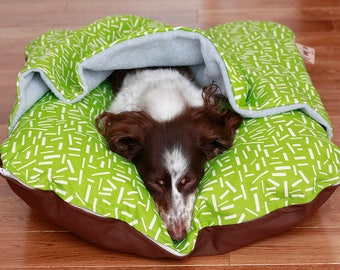 Bunbed Dachshund Dog Bed, BUNBED w/ COVER Burrow Snuggle Sack Pocket Bed, Green Confetti, Fleece, Dog Bed