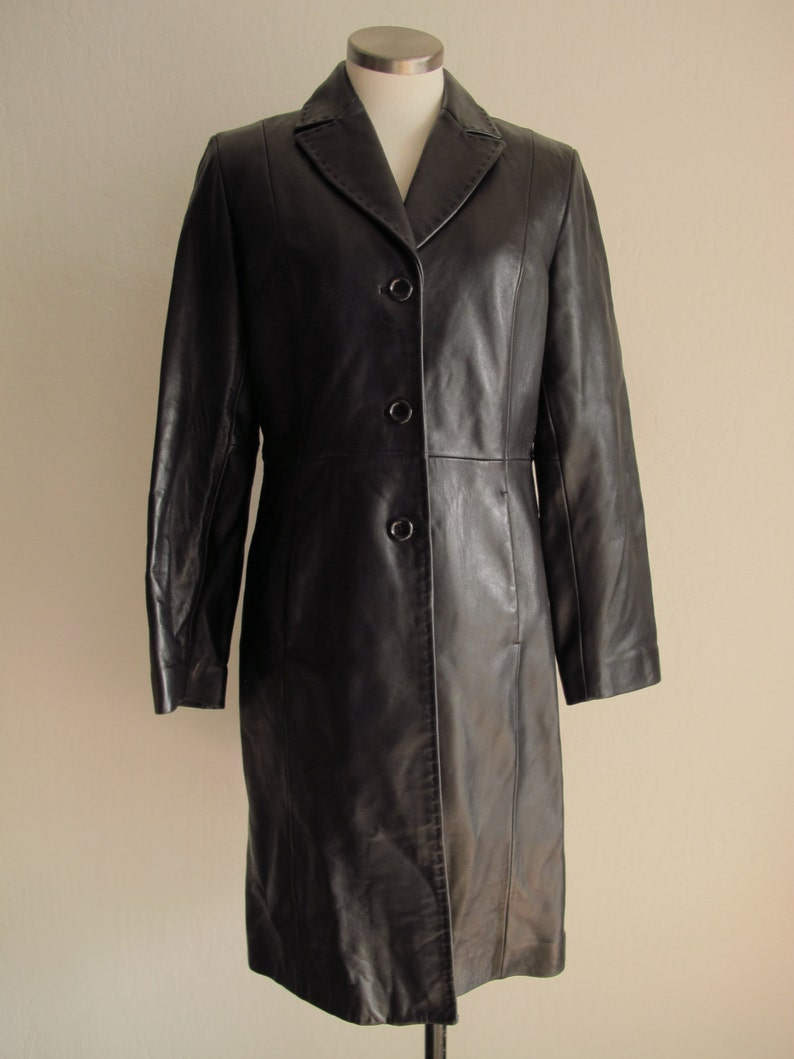 db075a383 3/4 Black Leather Coat Women's Size Medium Tailored Button Up Leather Trench