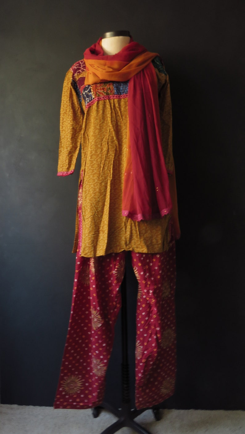 2454239d109 Punjabi Salwar Suit Boho Ethnic Gypsy Costume Bandhani Print