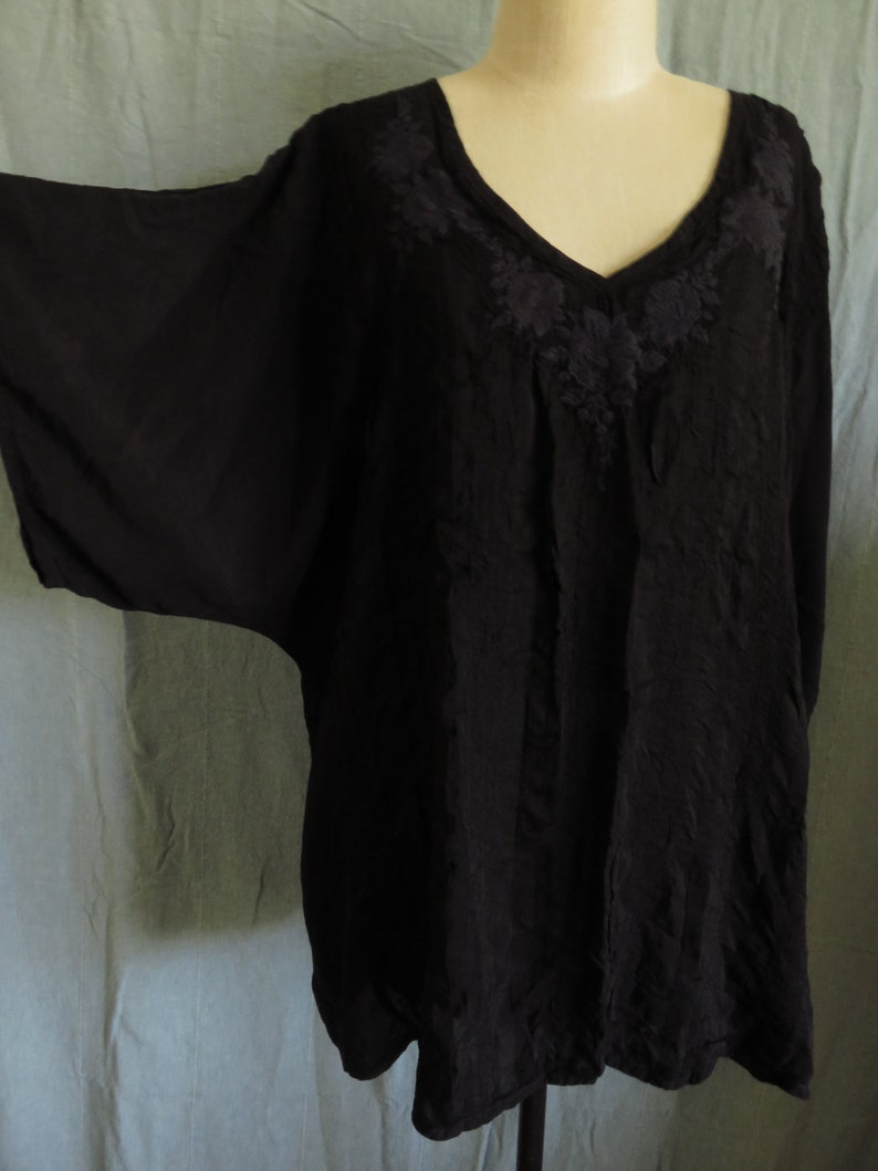 XXL Johnny Was Black Embroidered Tunic Black-on-Black Embroidery Rayon Size 2X Plus Size