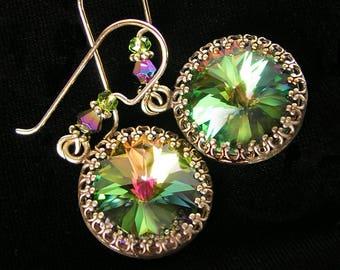 Aurora Green Crystal Earrings, Swarovski Crystal Green Earrings, Antique Brass Gold Earrings, Colorful Earrings, Vintage Style Jewelry